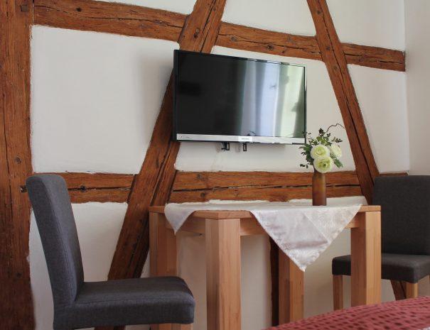 Sitzmöglichkeiten und Fernseher