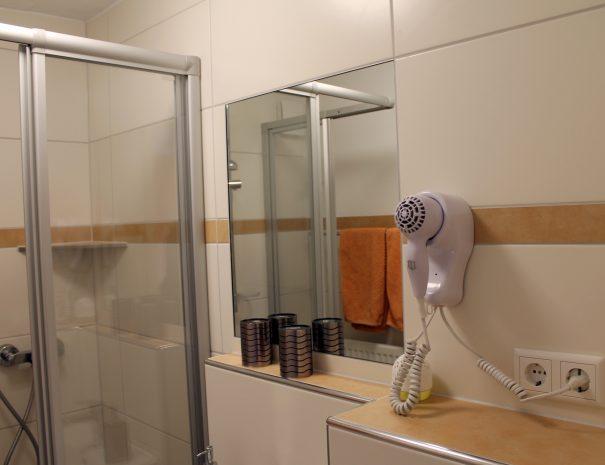 Ausschnitt vom Bad im Zimmer